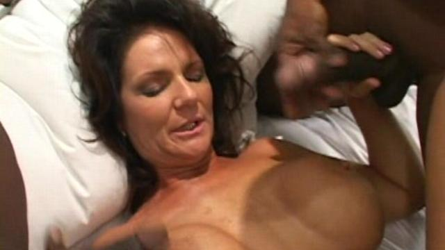 Deauxma Video Anal 89